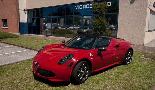 Alfa Romeo 4C wrapping with anti-stone and carbon fiber