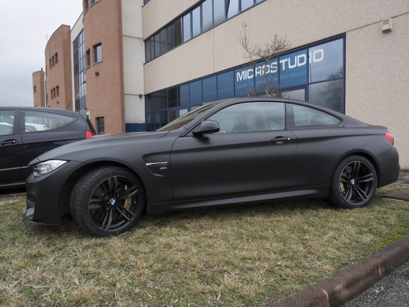 Car Wrapping Bmw M4 Nero Opaco Metallizzato
