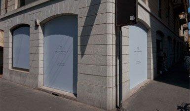 Display window coating Bruno Magli Milano