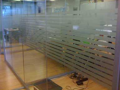 Decorazioni adesive vetrofanie adesivi per vetri for Adesivi per vetri ikea